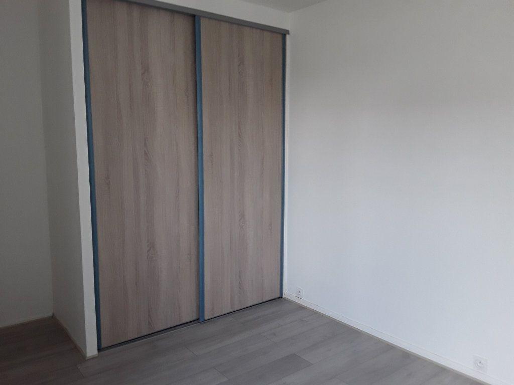 Appartement à louer 2 44m2 à Voiron vignette-6