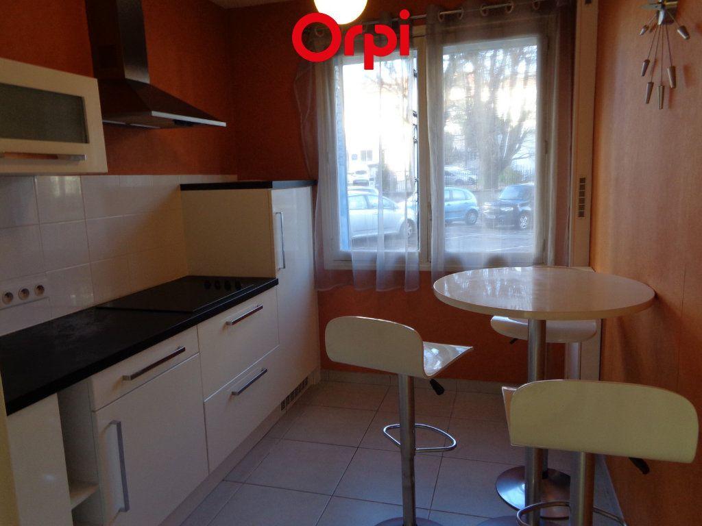 Appartement à vendre 4 85m2 à Voiron vignette-4