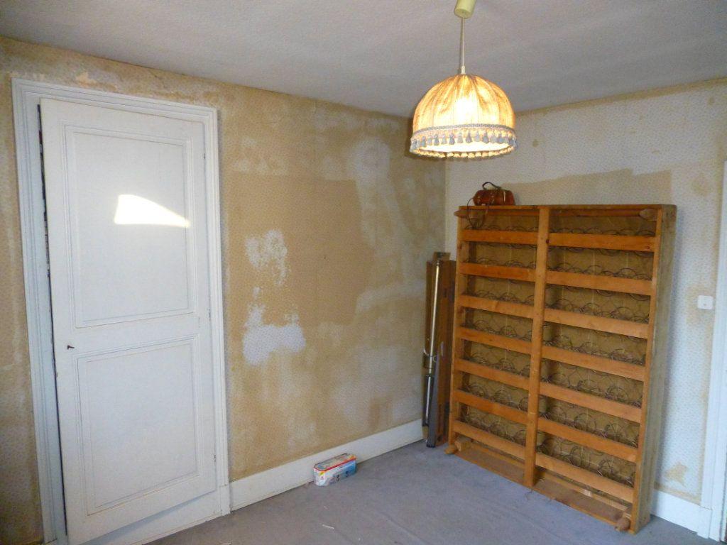 Maison à vendre 15 332m2 à Saint-Geoire-en-Valdaine vignette-4
