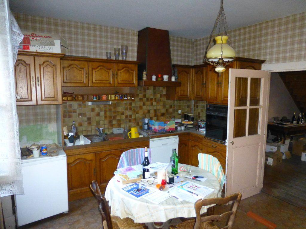 Maison à vendre 15 332m2 à Saint-Geoire-en-Valdaine vignette-6