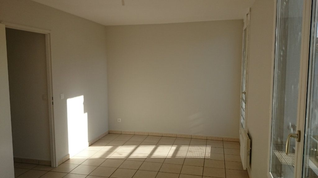 Appartement à vendre 1 26.2m2 à La Tour-du-Pin vignette-2