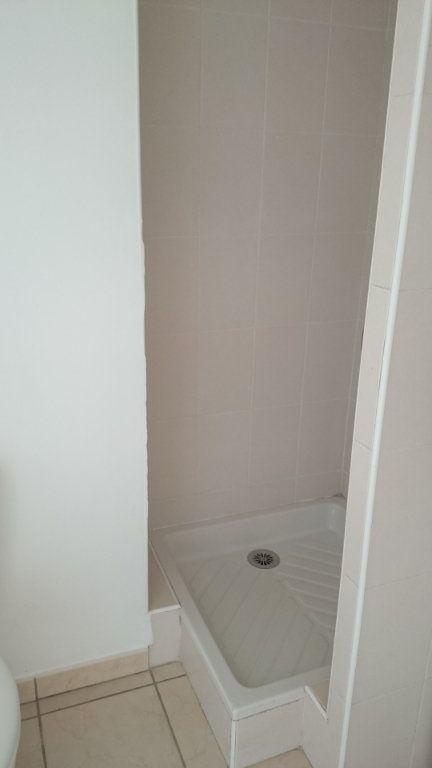 Appartement à vendre 1 26.2m2 à La Tour-du-Pin vignette-4