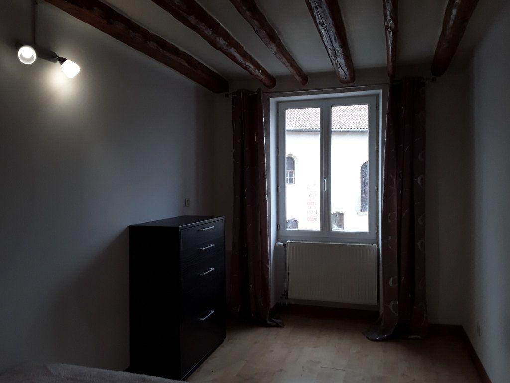 Appartement à louer 3 62m2 à Voiron vignette-4