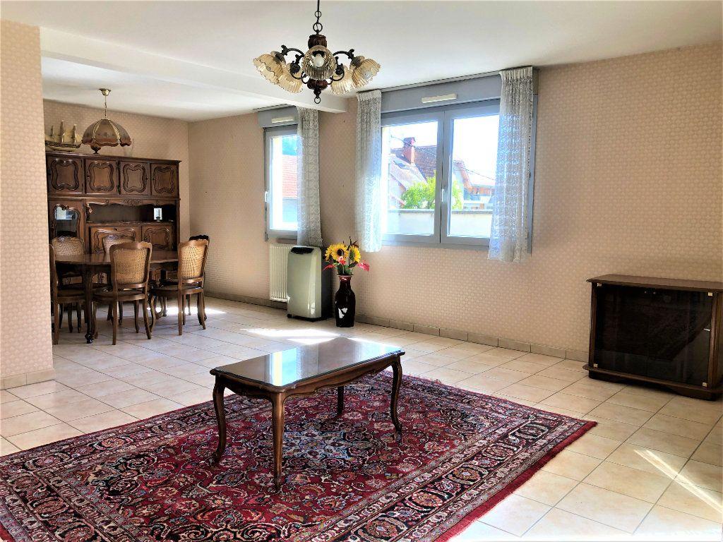 Appartement à vendre 4 92.35m2 à Voiron vignette-1