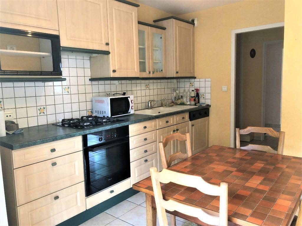 Appartement à vendre 4 92.35m2 à Voiron vignette-3