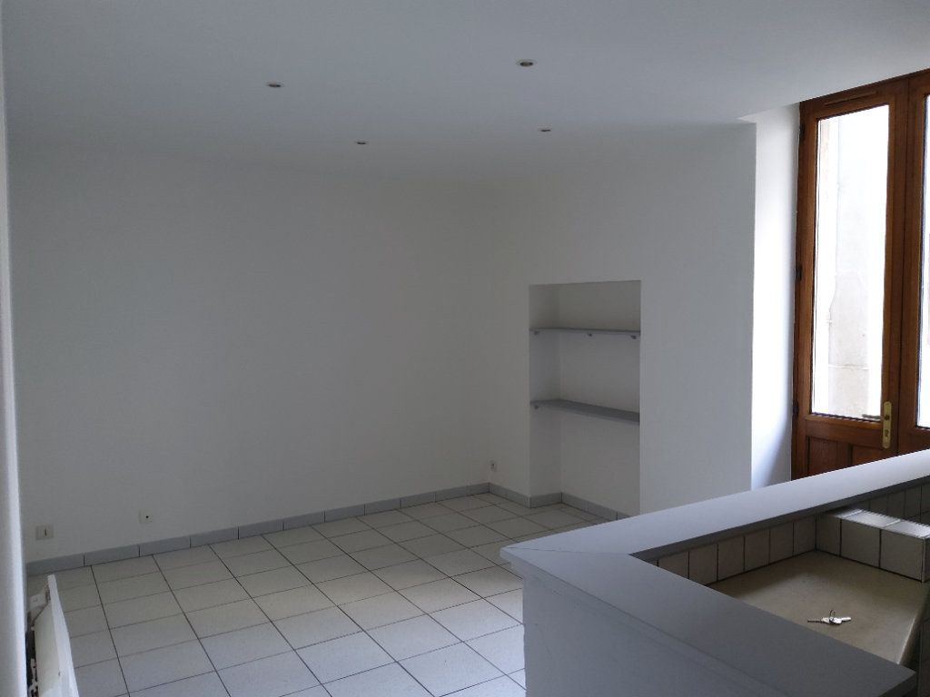 Appartement à louer 3 54m2 à Tullins vignette-2