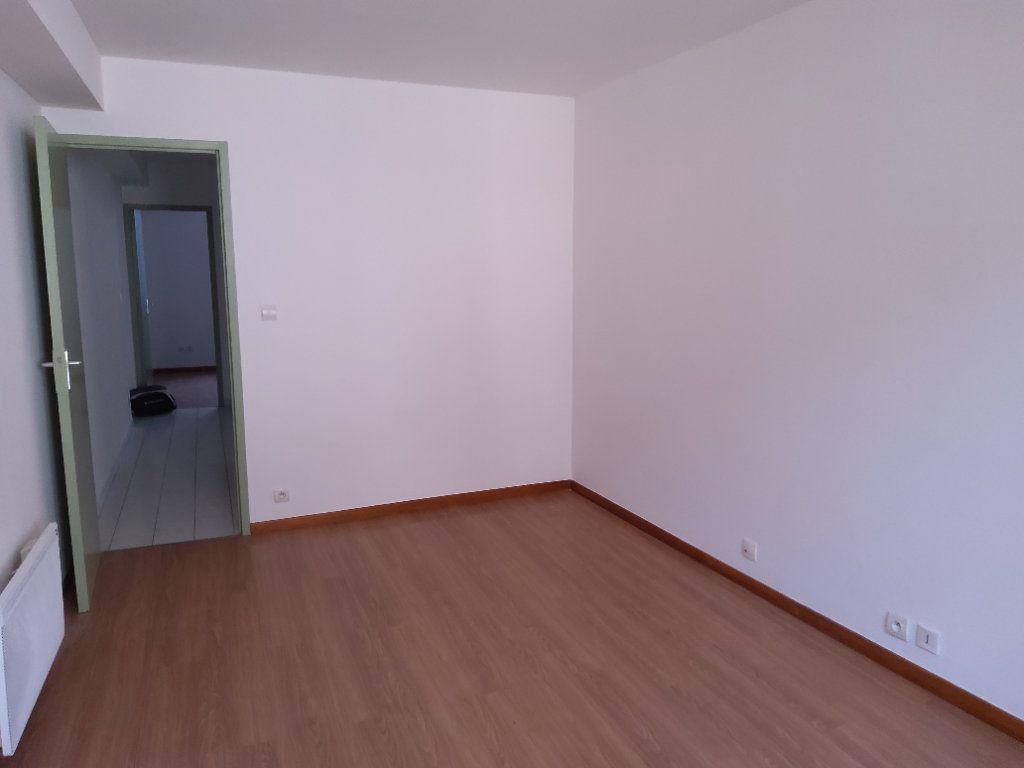 Appartement à louer 3 54m2 à Tullins vignette-5