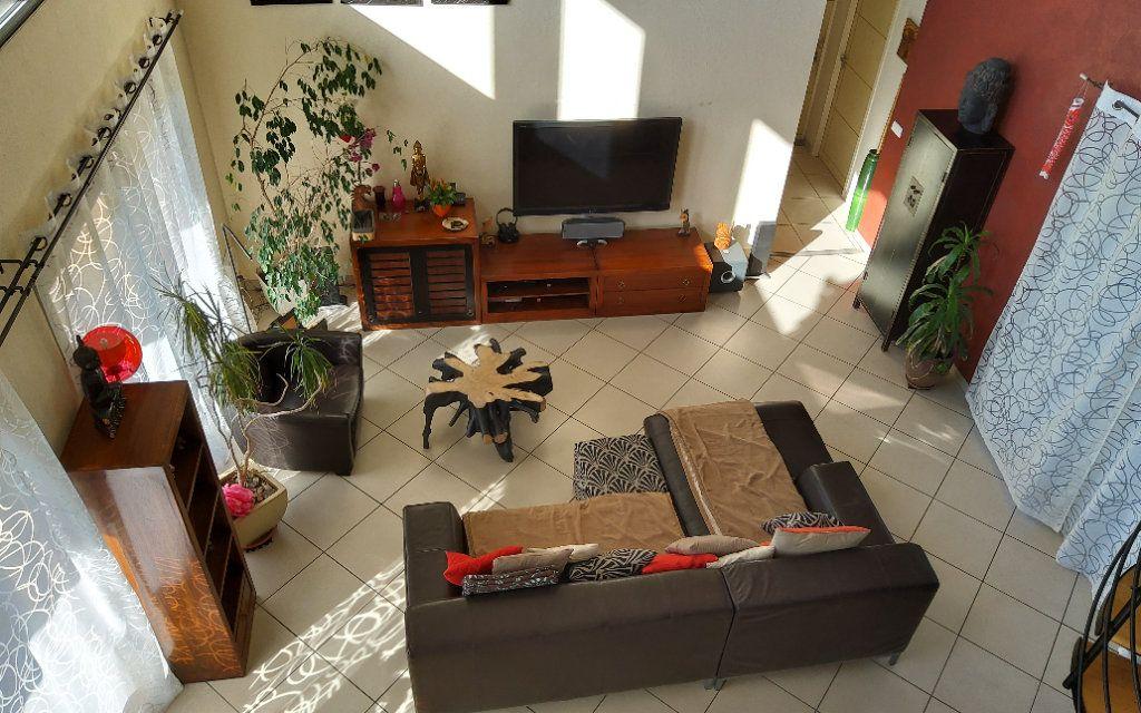 Maison à louer 6 156m2 à Bilieu vignette-4