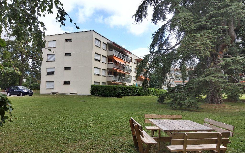 Appartement à louer 4 106m2 à Moirans vignette-1