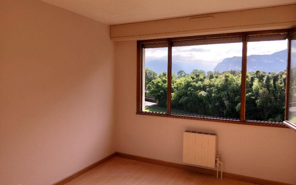 Appartement à louer 4 106m2 à Moirans vignette-2