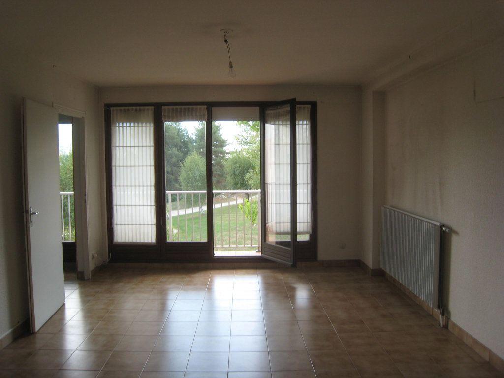 Appartement à louer 4 80m2 à Voiron vignette-2