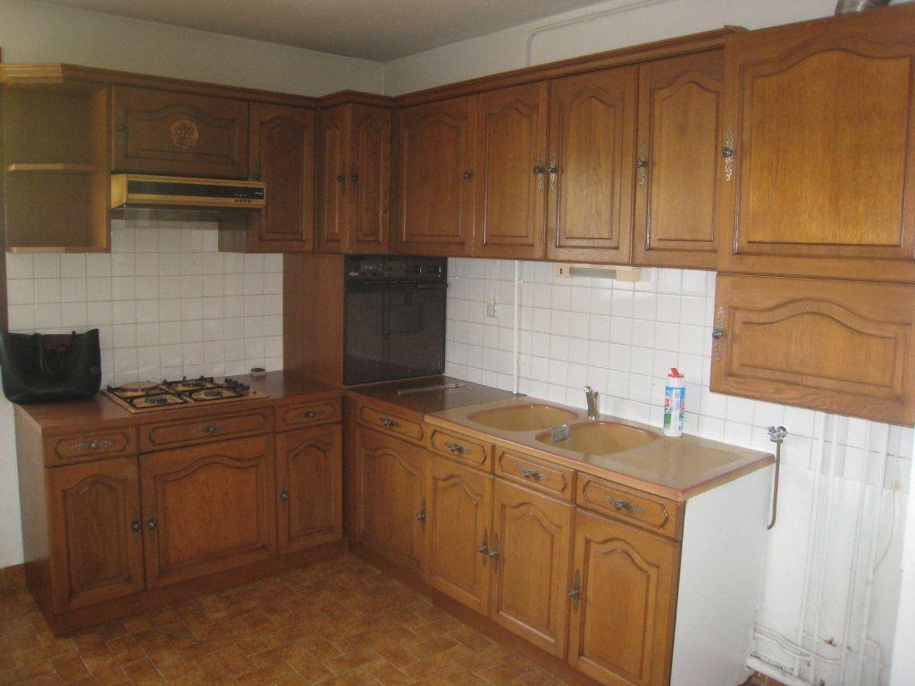 Appartement à louer 4 80m2 à Voiron vignette-3