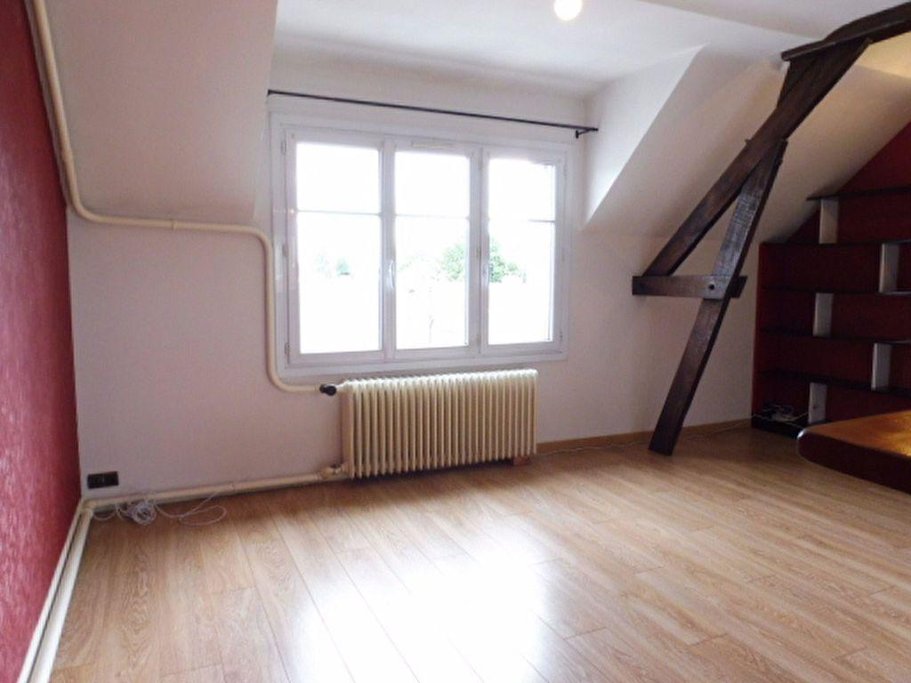 Appartement à louer 4 78m2 à Orléans vignette-9