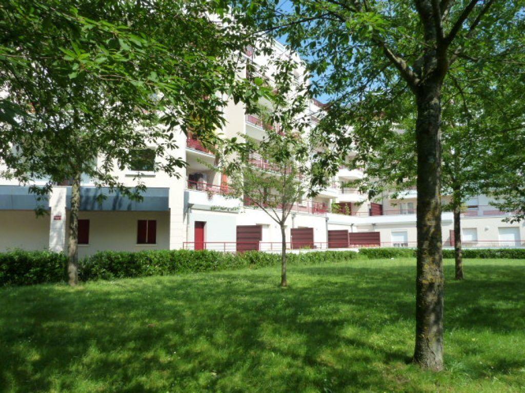 Appartement à louer 1 17m2 à Orléans vignette-1