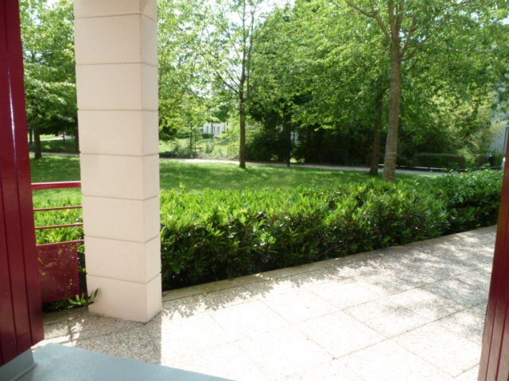 Appartement à louer 1 17m2 à Orléans vignette-3