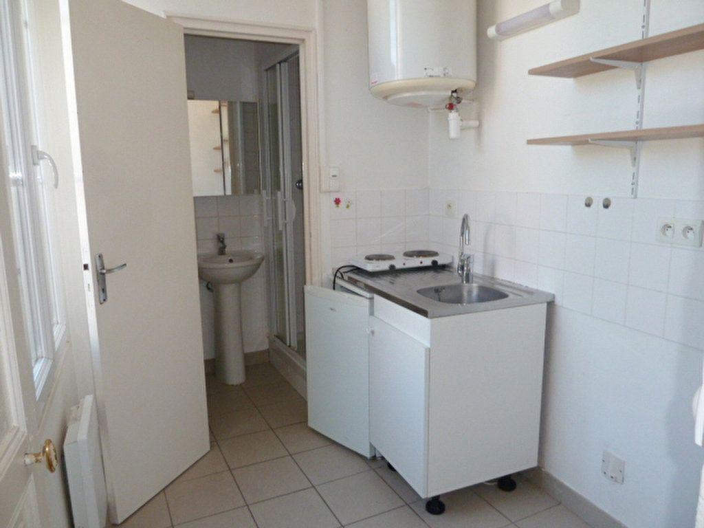 Appartement à louer 2 37.8m2 à Orléans vignette-5