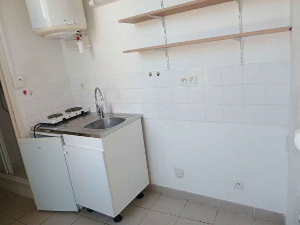 Appartement à louer 2 37.8m2 à Orléans vignette-6