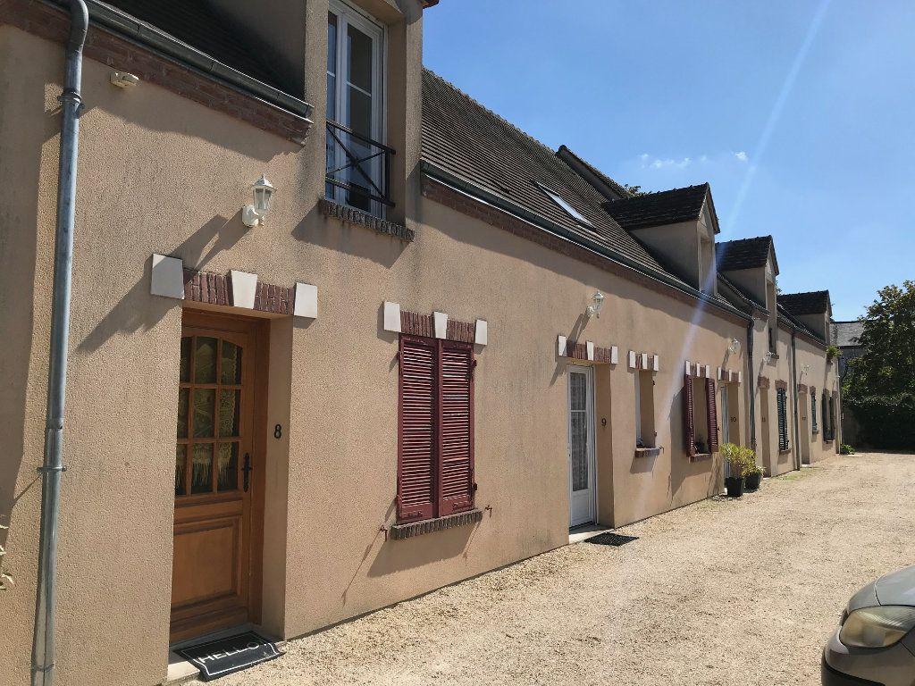 Appartement à vendre 3 69m2 à Châteauneuf-sur-Loire vignette-1