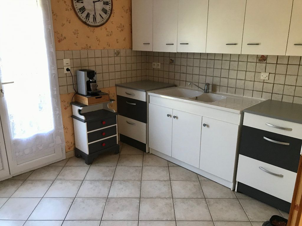Appartement à vendre 3 69m2 à Châteauneuf-sur-Loire vignette-3