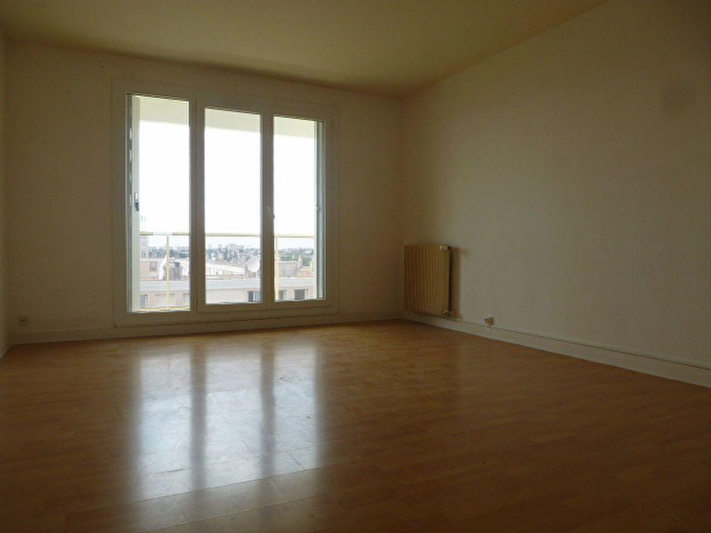 Appartement à louer 3 63.3m2 à Saint-Jean-de-Braye vignette-1