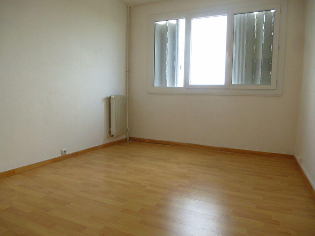 Appartement à louer 3 63.3m2 à Saint-Jean-de-Braye vignette-7