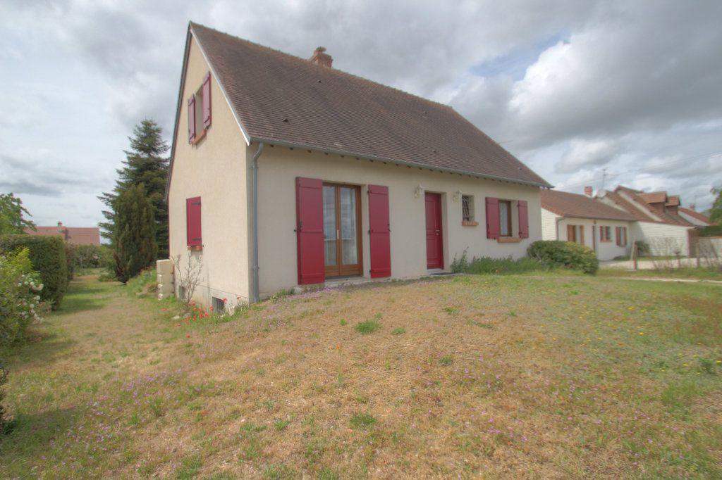 Maison à vendre 5 111m2 à Saint-Hilaire-Saint-Mesmin vignette-1