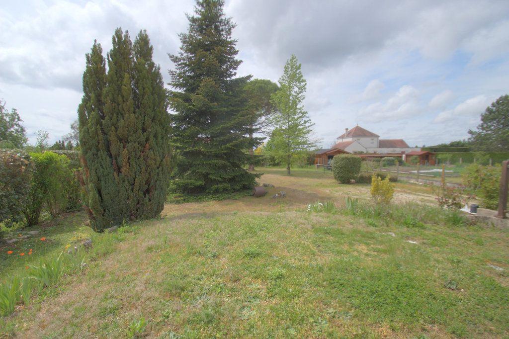 Maison à vendre 5 111m2 à Saint-Hilaire-Saint-Mesmin vignette-3