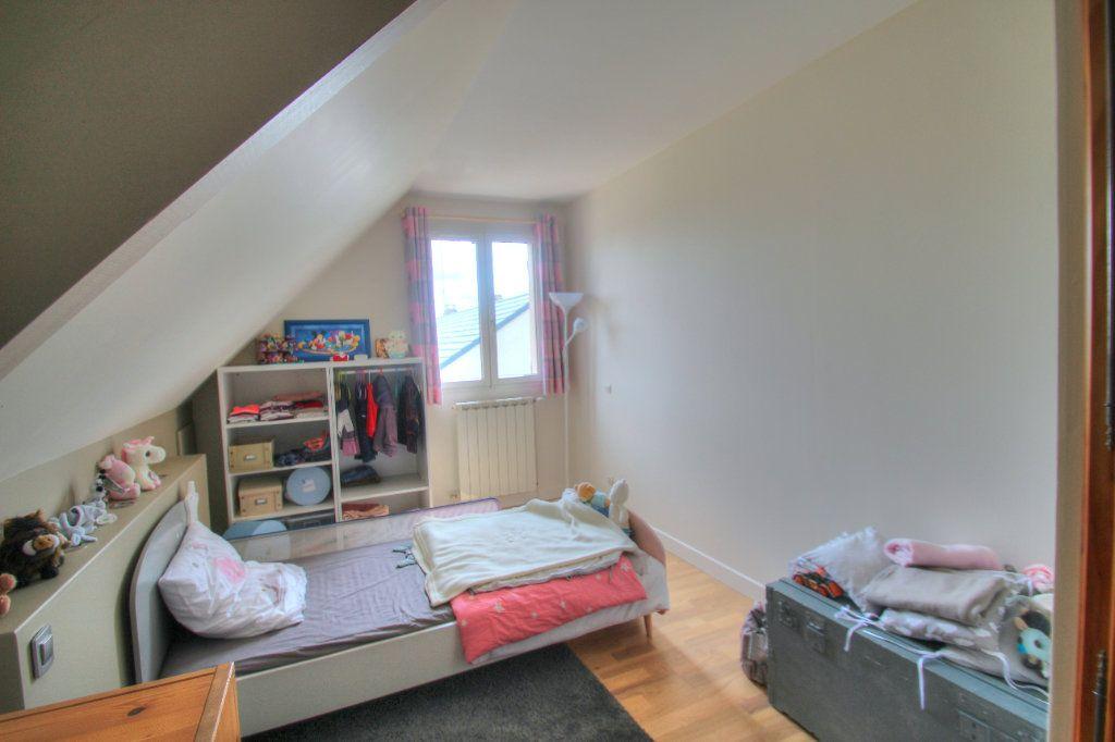 Maison à vendre 5 111m2 à Saint-Hilaire-Saint-Mesmin vignette-11