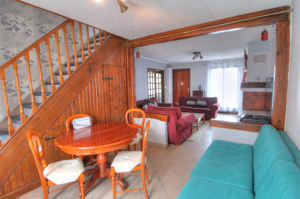 Maison à vendre 6 120m2 à Saint-Jean-de-la-Ruelle vignette-4