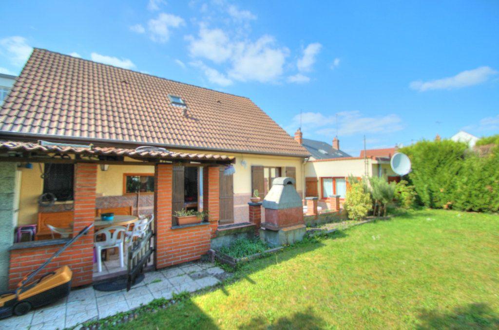 Maison à vendre 6 120m2 à Saint-Jean-de-la-Ruelle vignette-11
