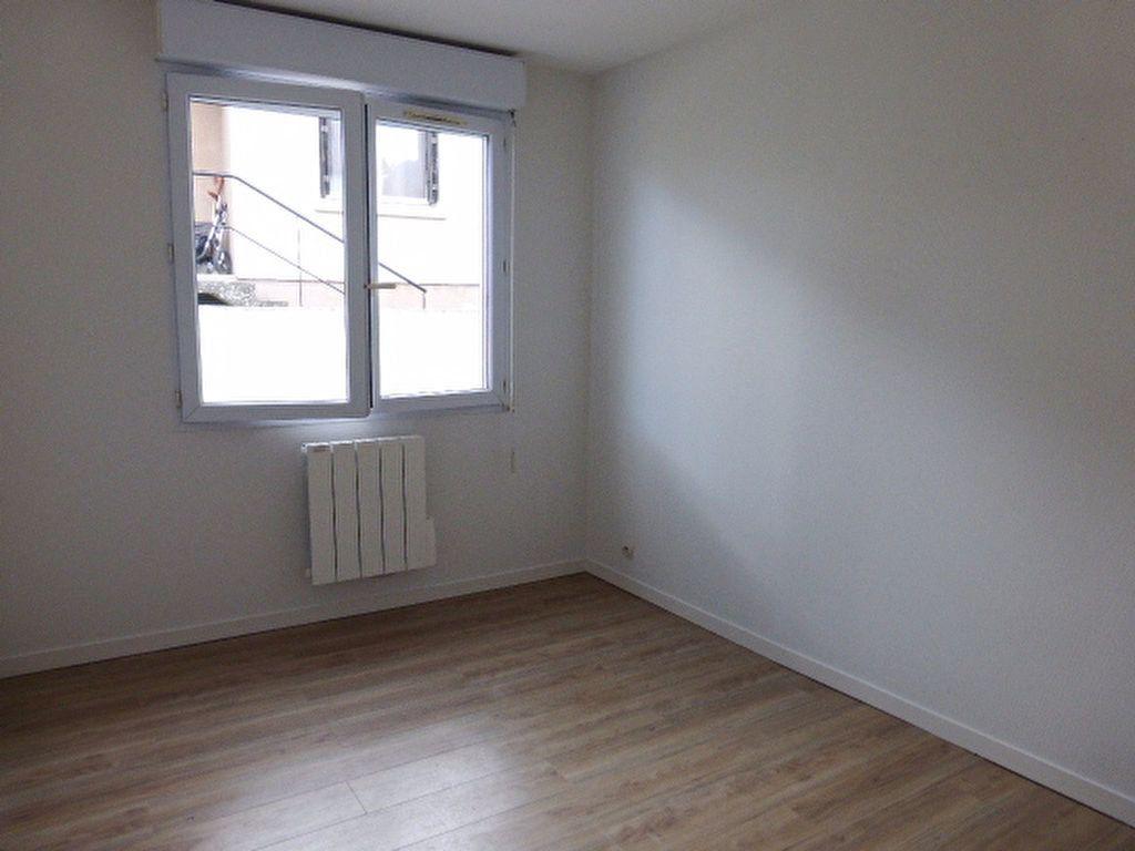 Maison à louer 2 27.35m2 à Fleury-les-Aubrais vignette-5