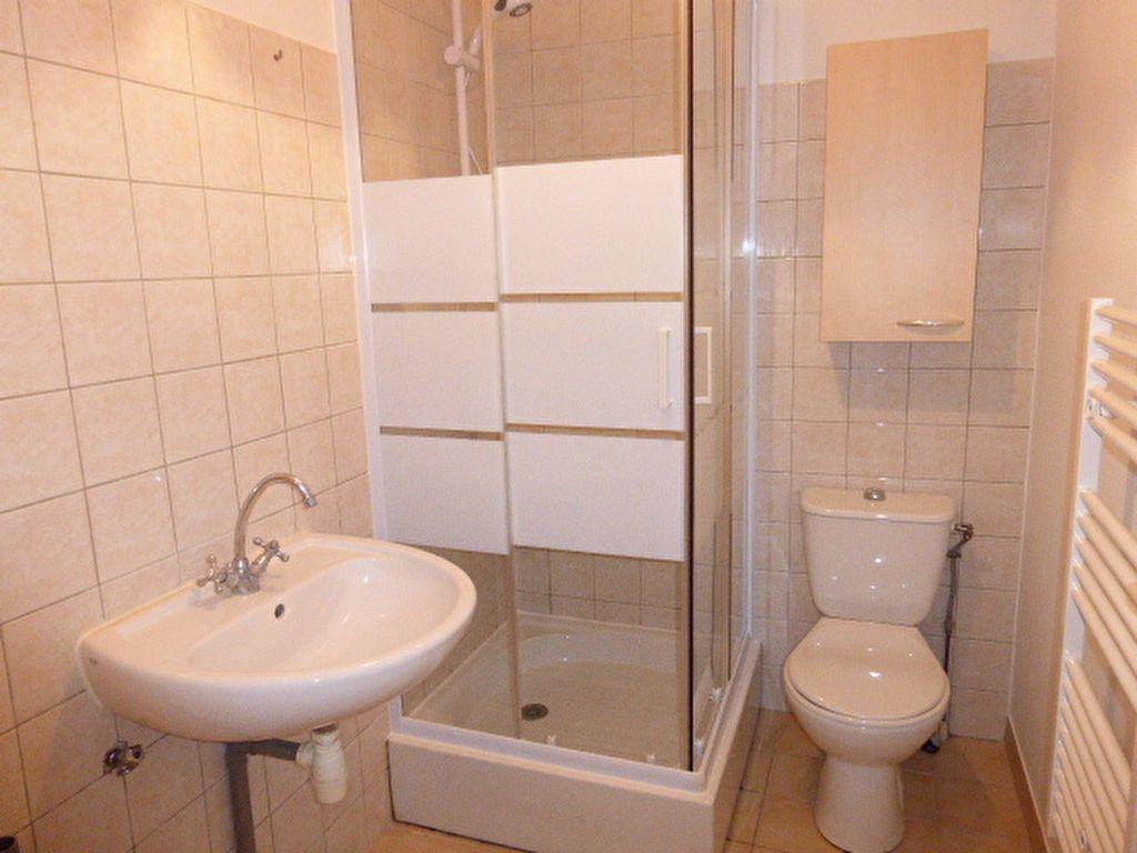 Maison à louer 2 27.35m2 à Fleury-les-Aubrais vignette-6