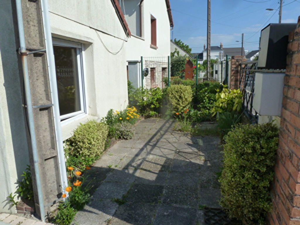 Maison à louer 2 27.35m2 à Fleury-les-Aubrais vignette-7