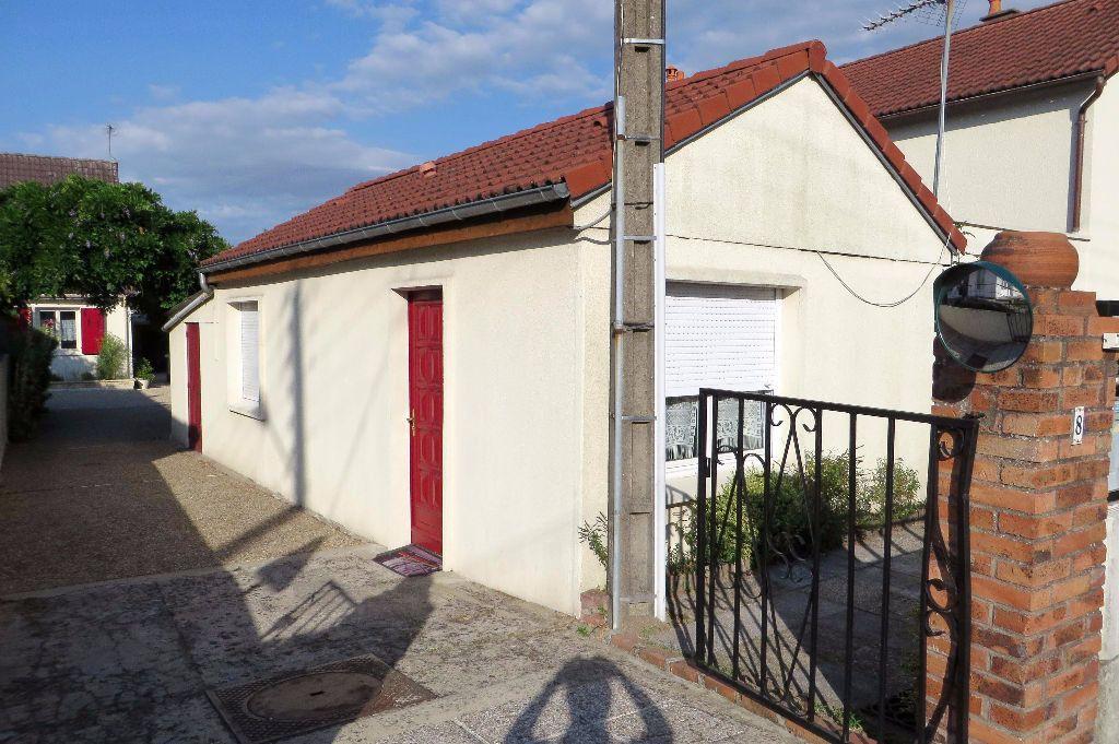 Maison à louer 2 27.35m2 à Fleury-les-Aubrais vignette-8