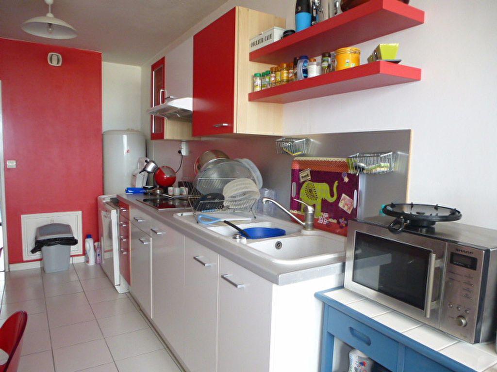Appartement à louer 2 73m2 à Saint-Jean-de-la-Ruelle vignette-5