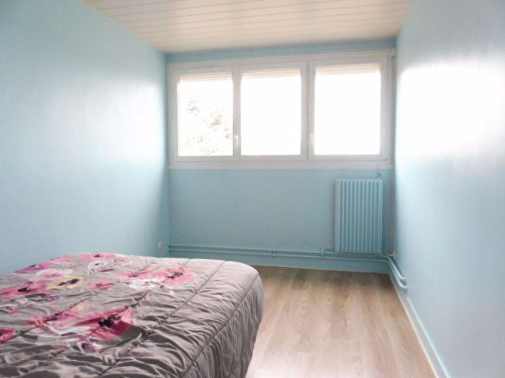 Appartement à louer 3 75.6m2 à Fleury-les-Aubrais vignette-4