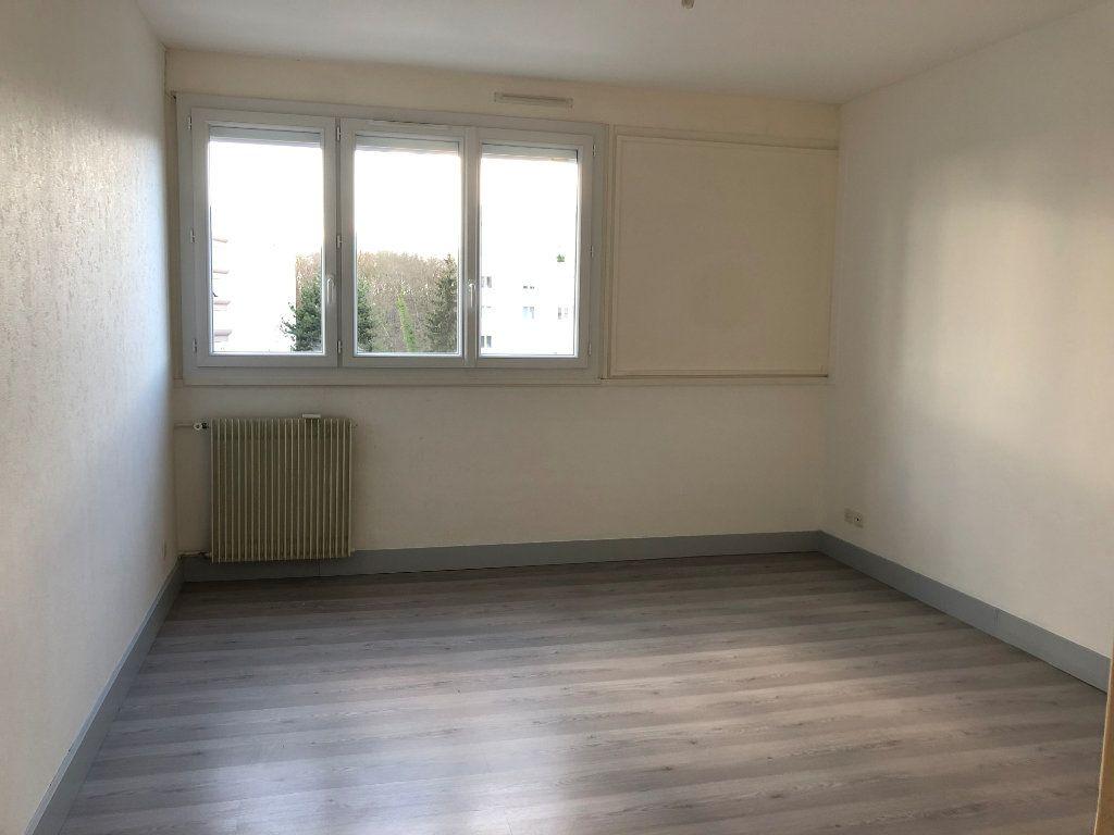 Appartement à louer 1 33.88m2 à Saran vignette-1