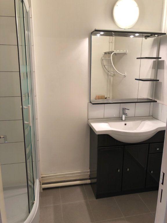 Appartement à louer 1 33.88m2 à Saran vignette-2