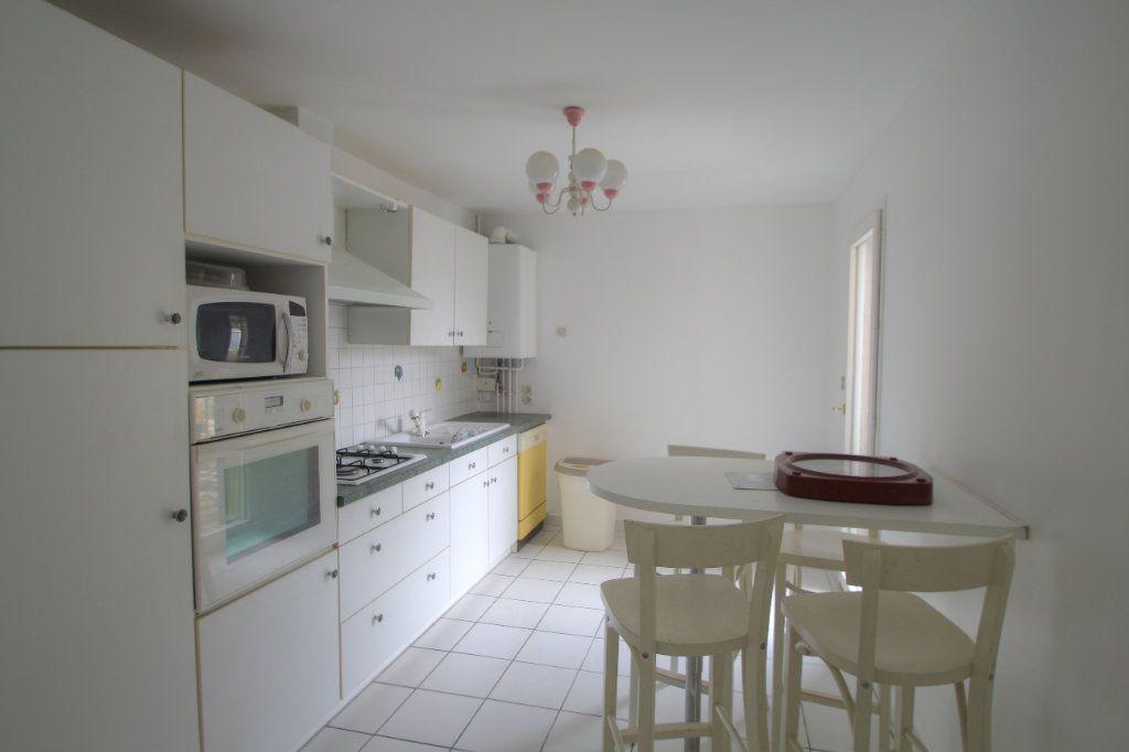 Maison à vendre 5 90m2 à Saint-Jean-de-la-Ruelle vignette-3