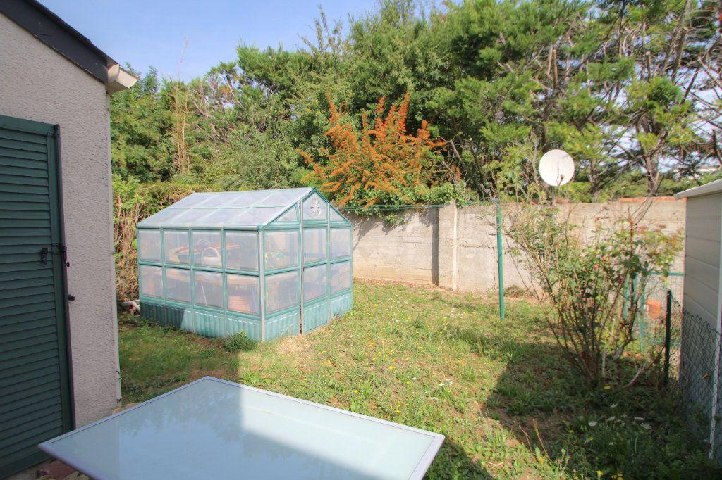 Maison à vendre 5 90m2 à Saint-Jean-de-la-Ruelle vignette-4