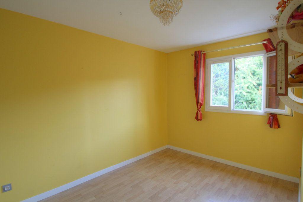 Maison à vendre 5 90m2 à Saint-Jean-de-la-Ruelle vignette-5