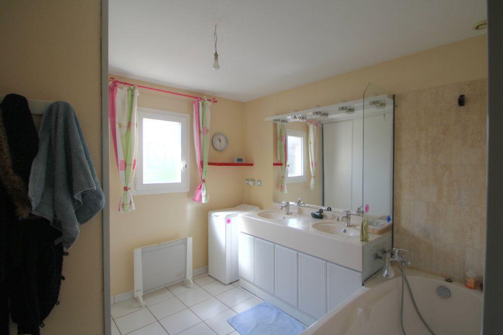 Maison à vendre 5 90m2 à Saint-Jean-de-la-Ruelle vignette-8