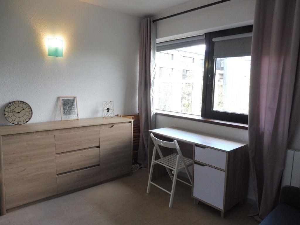 Appartement à louer 1 17.51m2 à Orléans vignette-1