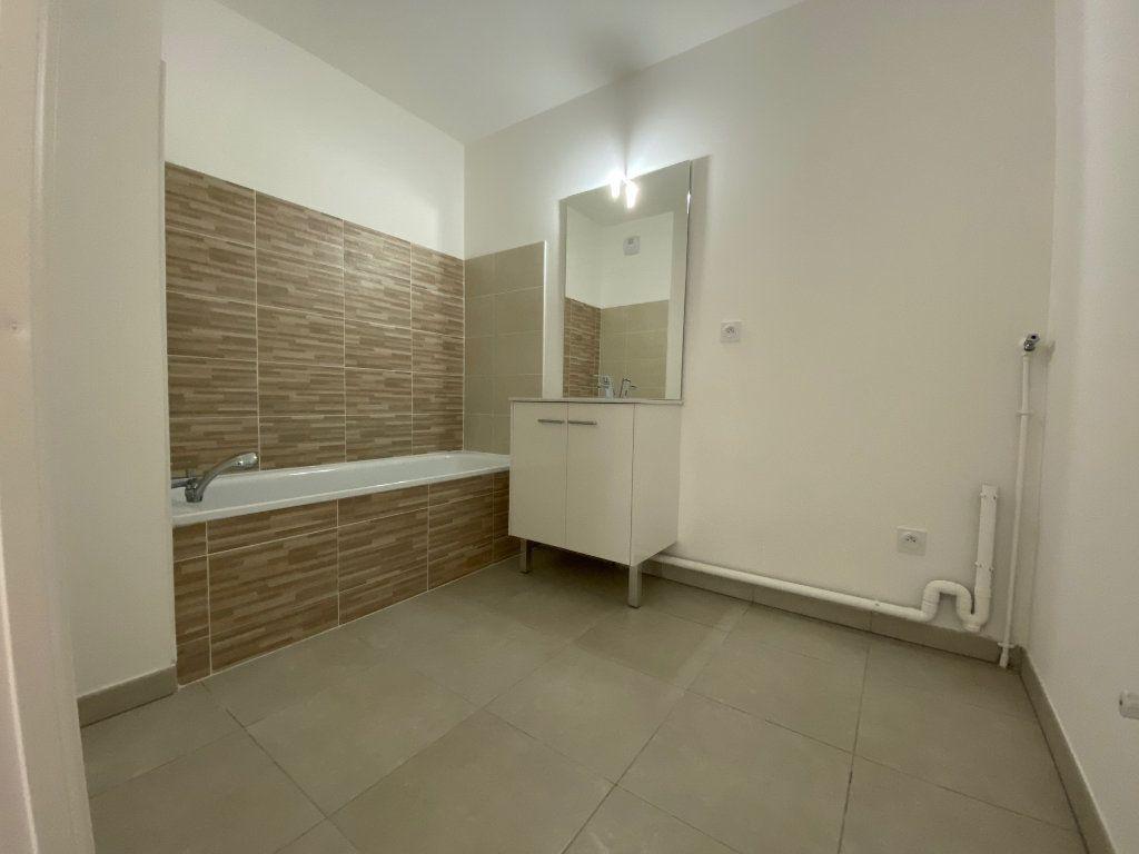 Appartement à louer 3 60.8m2 à Saint-Jean-de-Braye vignette-5