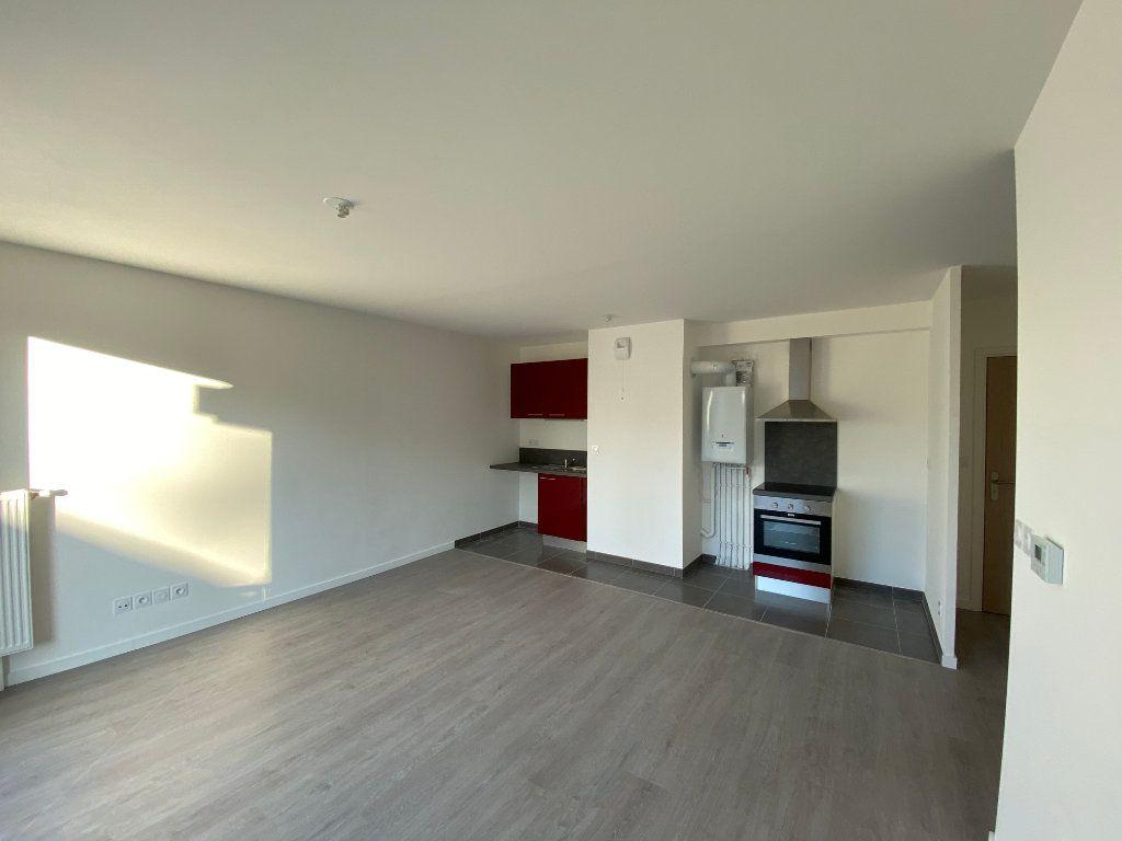 Appartement à louer 3 60.8m2 à Saint-Jean-de-Braye vignette-6
