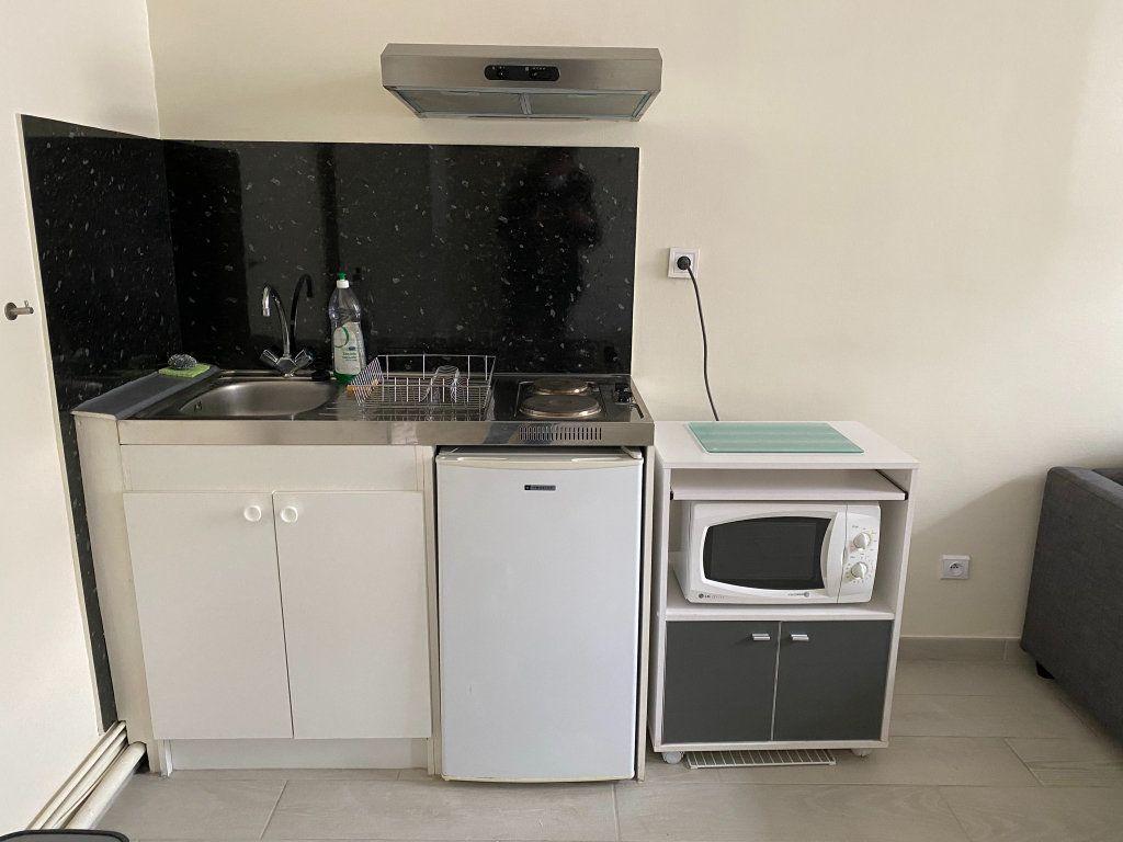 Appartement à louer 1 25m2 à Orléans vignette-5