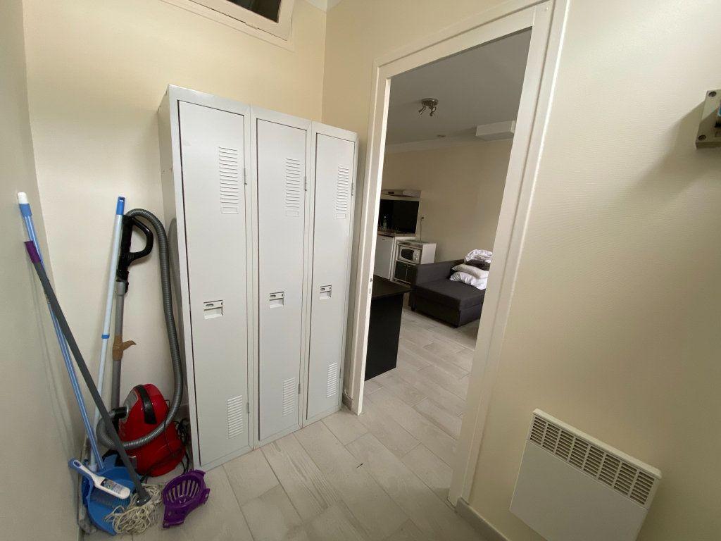 Appartement à louer 1 25m2 à Orléans vignette-7