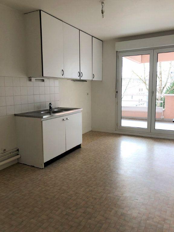 Appartement à louer 3 80m2 à Orléans vignette-2