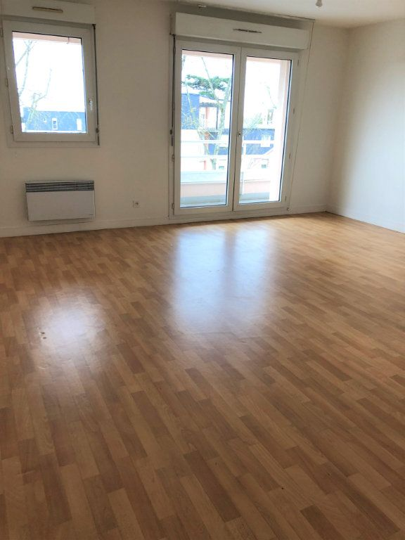 Appartement à louer 3 80m2 à Orléans vignette-3