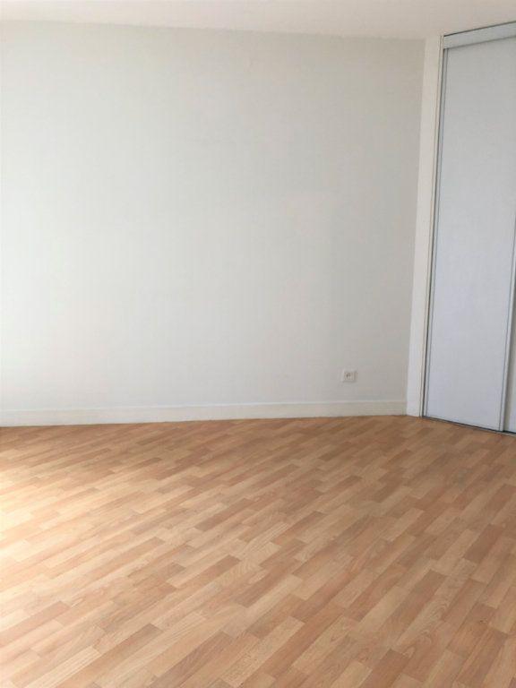 Appartement à louer 3 80m2 à Orléans vignette-7